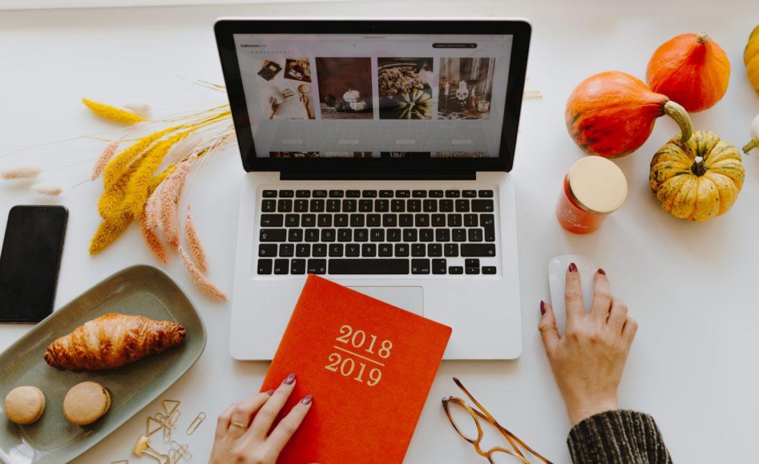 On fait le bilan de l'année 2018 et on pose de nouveaux objectifs 2019. #entreprendre #microentreprise #autoentrepreneur #entreprise #objectifs #bilan #freelance #solopreneur #jaimelapaperasse
